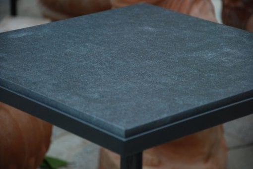 Cadabra RenässansTM bord i Italienskt smide med bortsad granit nero assoluto