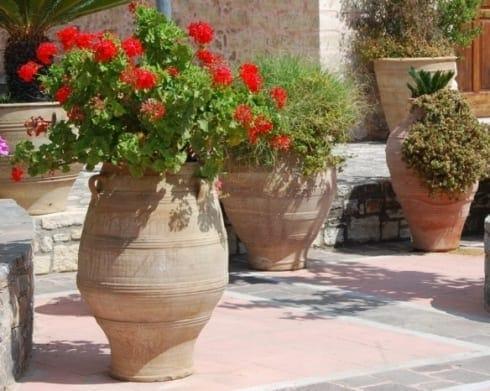 Cadabra Minoan stora handdrejade och frosttåliga urnor Kreta