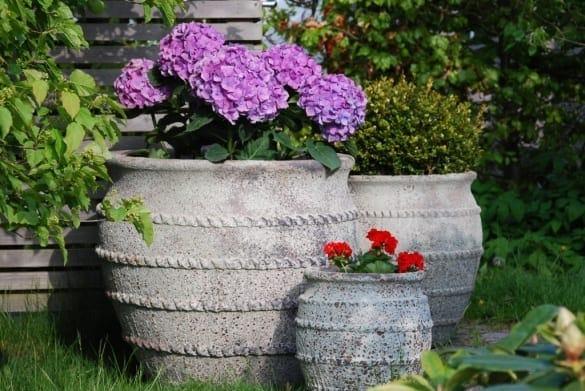 stora planteringskärl colosseo frosttåliga krukor och urnor