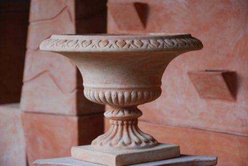 Frosttålig utekruka på fot i Italiensk terrakotta från Cadabra