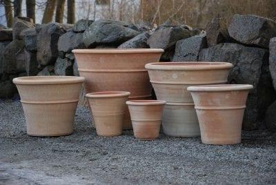 Terrakottakruka Orangeri utekrukor för trädgård och parkmiljö av handdrejad frosttålig terrakotta