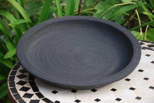 svart krukfat i terrakotta för krukor trädgårdsdesign interior design