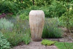Goccia stor urna i terrakotta chocolate stora krukor utekrukor