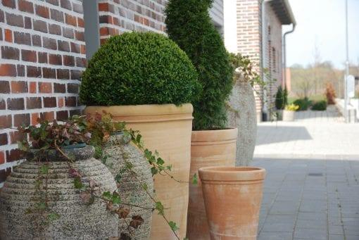 Vespa och Olivo frosttåliga krukor och urnor Cadabra