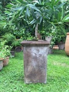 Hög fyrkantig kruka pilone liscio terrakotta