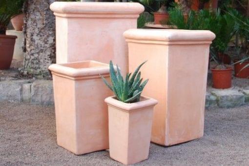 hög rektangulär kruka pilone liscio i Italiensk design