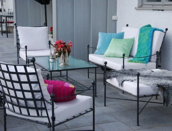 Smidesmöbler i massivt Italienskt smide för uteplatsen och lounge