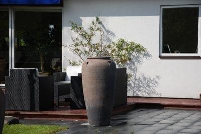 snygg urna Vaso Stretto stora frosttåliga krukor
