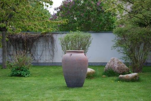 Stor urna Emporia stabil och robust frosttåligt stengods