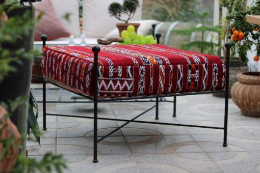 Dyna till vår Ottoman i geuin Berber Kelim från Marrakech