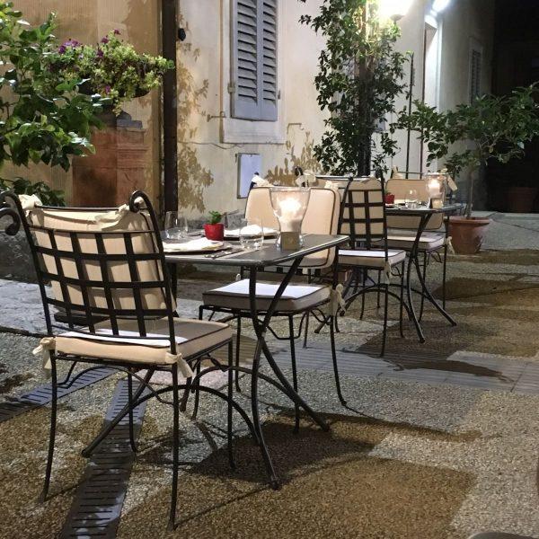 Piazza smidesstolar och smidesmöbler för uteplatsen utemöbler