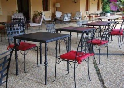 Orangeri miljö med Italienska smidesstolar och bord från Cadabra Design