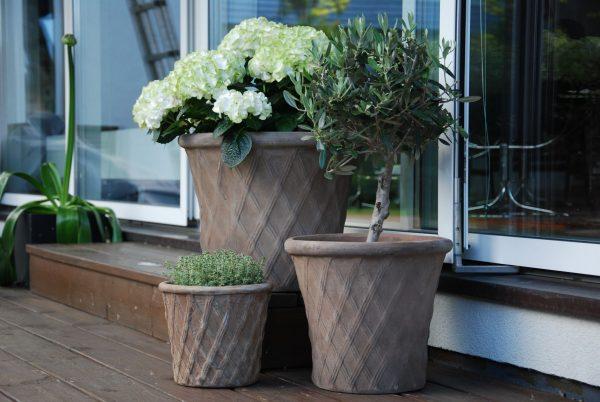 Cadabra Rombo snygga frostsäkra stora krukor för trädgården