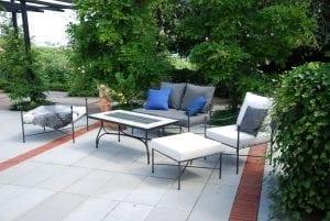 Smidesbord med kakelskiva Cadabra medelhavsmiljö exklusiva utemöbler för orangerimiljö
