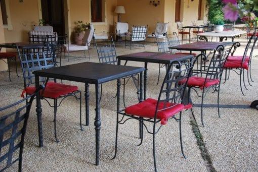 utemöbler piazza massiva smidesstolar från Italien och Cadabra