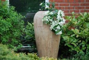 Vaso Goccia2 frosttåliga urnor och kärl i terrakotta ute året om