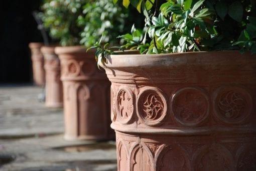 Italiensk Terracottakruka Vaso Korint frosttåliga krukor från toscana cadabra