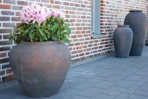 Vaso Vecchio stora låga krukor och urnor gardendesign interiordesign