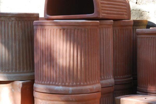 Vaso Rigato a Parete terrakottakrukor från Toscana, Italien och Cadabra