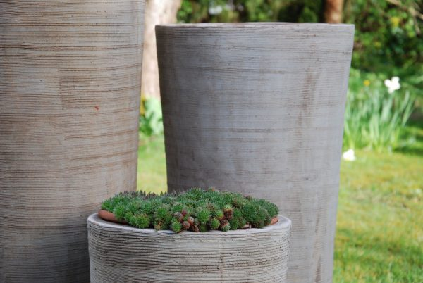 Vaso Cono Chocolate Scratch stora krukor i terrakotta interior garden design