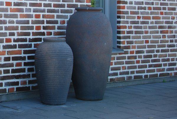 Vaso Olivo Fired Earth stora höga frosttåliga svarta urnor