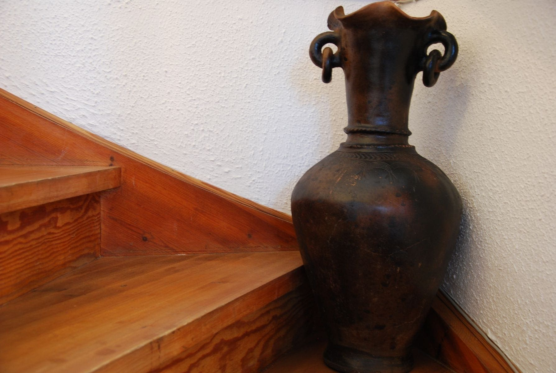 Bau Truc G inredning lerkrus lerkärl interior design vas krukor urnor