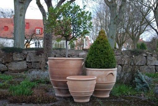 Delphi stora utekrukor, utomhuskrukor, planteringskärl och urnor i frosttålig terrakotta
