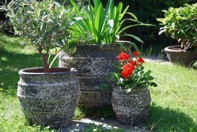 Planteringskärl Colosseo Dolomite frostsäkra utekrukor och stora krukor trädgårdskrukor