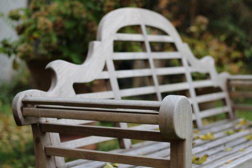 Trädgårsbänk Lutyens bänk i hållbar kärnteak