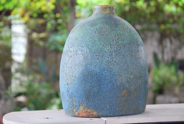 Vas turquoise interior design