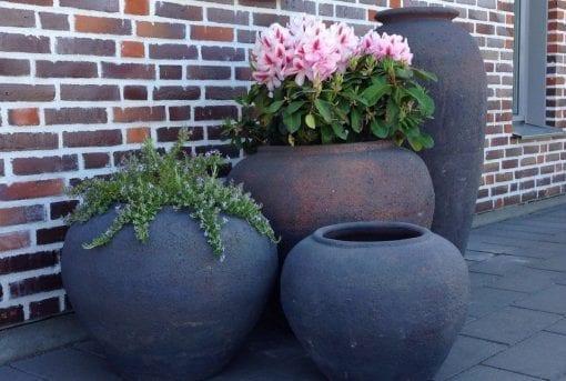 stora planteringskärl vaso vecchio fired earth urnor och krukor i frosttaligt stengods