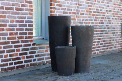 Höga svarta krukor i terrakotta - Cadabra