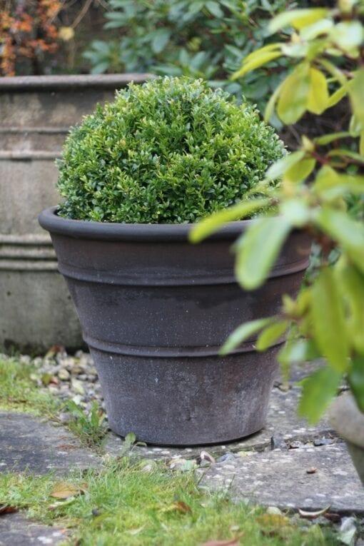 svart brun kruka Orangeri LavaTerrakotta Cadabra frosttålig handdrejad